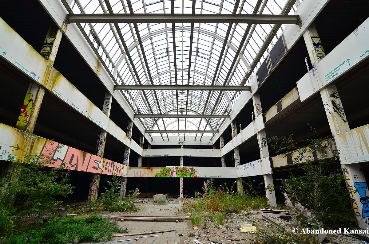 M?bel Leipzig  Hanau Germany Military Base Abandoned