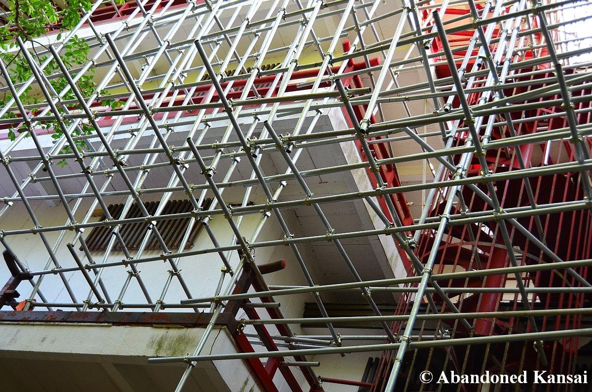 Steel Scaffolding Japan : Massive steel scaffolding abandoned kansai