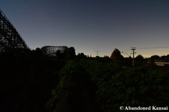 Aska Rollercoaster At Night