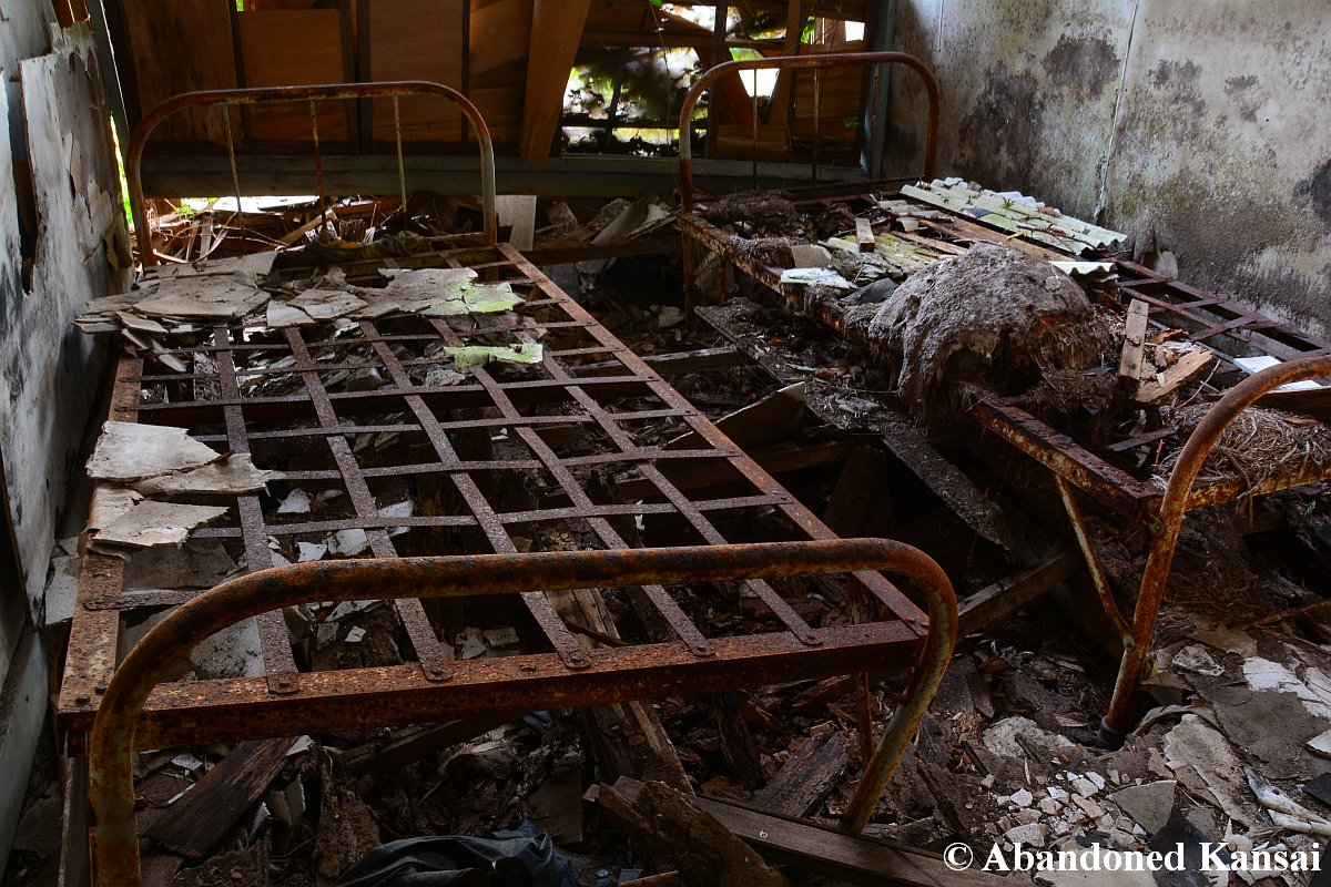 Japanese Isolation Hospital Old Metal Frame Bed