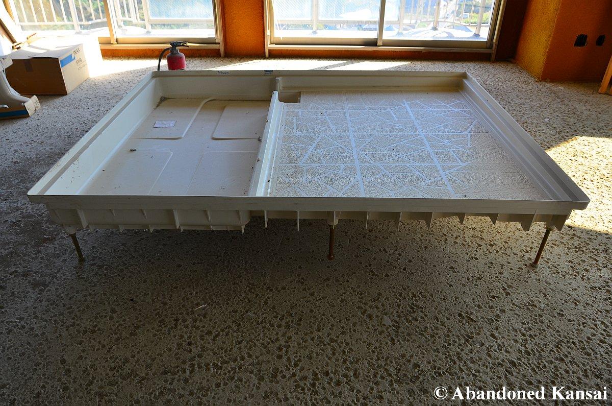 Japanese Bathroom how to build a japanese bathroom | abandoned kansai
