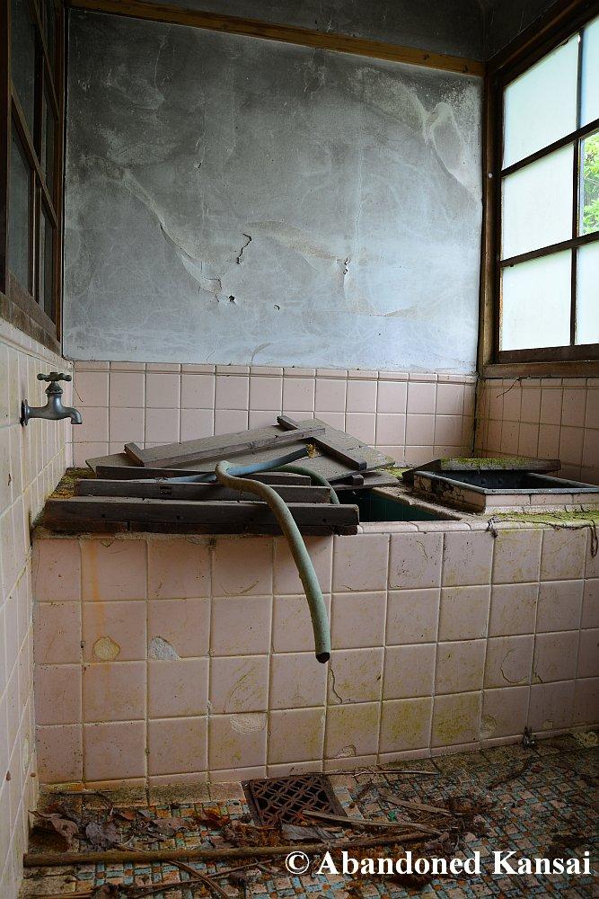 Old Japanese Bath   Abandoned Kansai