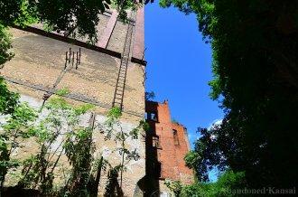abandoned-grain-silo