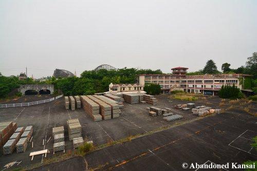 Nara Dreamland - Stored Scaffolding