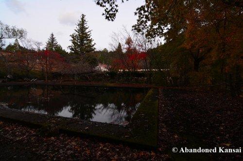 abandoned-japanese-school-pool