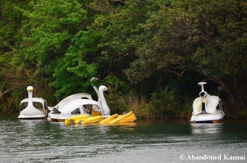 sinking-paddleboats