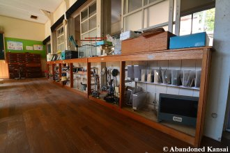 science-room-in-a-wooden-school