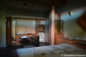 Abandoned Love Hotel In Good Condition