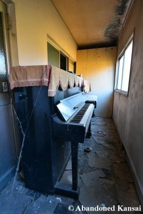 Hallway Pianos