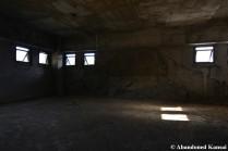 Eerie Mid-Floor