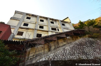 Abandoned Rundown Onsen Town Hotel