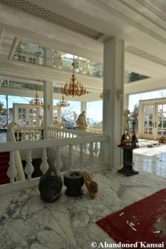 Deserted Millionaire Mansion Japan